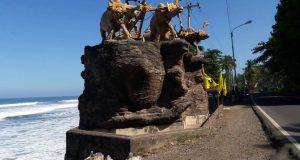 Pesona Alam Bebatuan Pantai Yeh Leh dan Ikon Jembrana