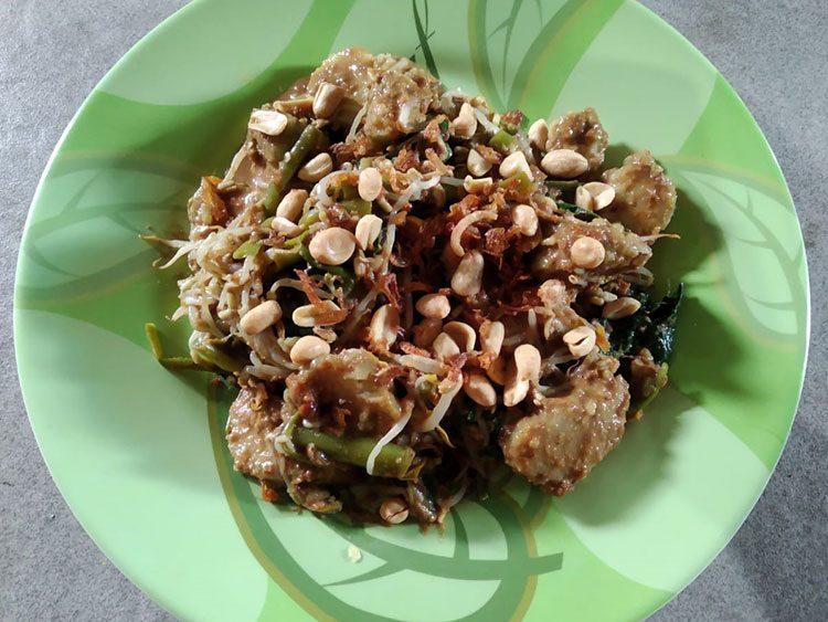 Tipat Cantok Kuliner Murah dan Sehat