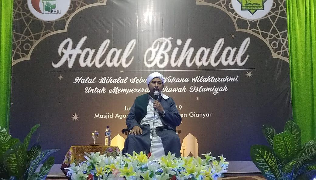 Makna Halal Bihalal