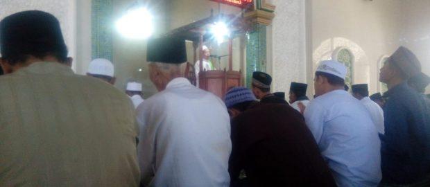 Saling Tolong Menolong, Tema Khutbah Jum'at Awal Syawal di Masjid Pahlawan Jembrana