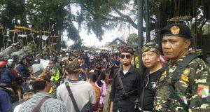 'Menyama Braya', Banser Tegalalang Bantu Pengamanan Ngaben Masal
