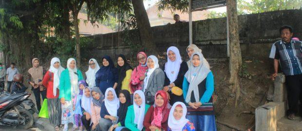 Sambut Hari Santri, Fatayat Gianyar Gelar Bakti Sosial