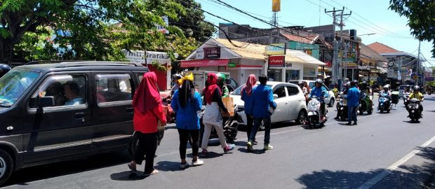 Aksi PMII Buleleng Peduli Ambon dan Wamena Raih Simpati Warga
