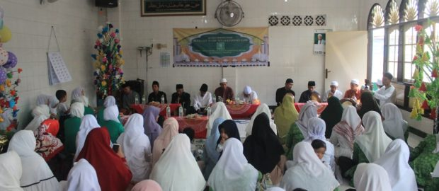 Fatayat Gianyar: Maulid Untuk Mengenal dan Meneladani Rasulullah SAW