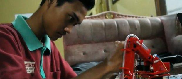 Bantu Ibunya, Pemuda Lulusan SMK di Purworejo Bikin Robot