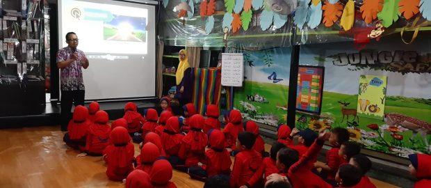 Kenalkan Literasi pada Anak, TK Mutiara Bunda Undang Redaktur Aswaja Dewata