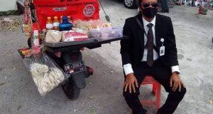 Hanya di Bali, Orang Madura Jual Nasi Jinggo Berpenampilan Manajer