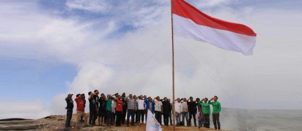 Masih Adakah yang Menganggap Syirik Hormat Bendera?