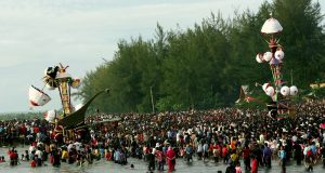 Polemik Tradisi Pada Masyarakat Nusantara