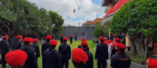 Peringati HUT RI, Gabungan Lintas Ormas Bali Naikkan Sang Merah Putih Bersama