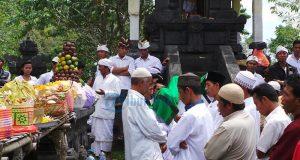 Keunikan Warga Hindu dan Muslim Karangasem Menjaga Kerukunan
