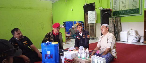 Bagikan Alat Kesehatan, PGN Bali Ajak PP. Syafaat Darussalam dan PP. Hidayatullah Menjaga Kebersamaan