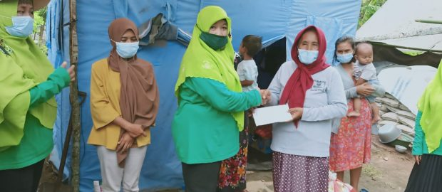 PAC Muslimat NU Denpasar Utara Lakukan Safari Korban Bencana dan Sampaikan Bantuan