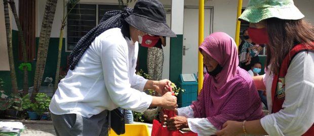 Peduli Pemberdayaan Wanita, Pertiwi Bali Sambangi Warga Sekitar TPA Suwung