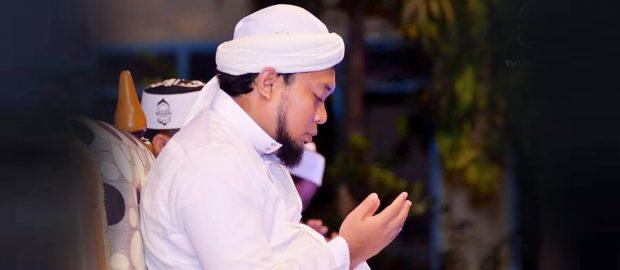 Kiai Azaim: Dua Hal yang Disebut KesetiaanSejatiPada Guru