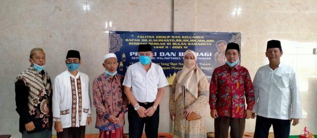 Ramadhan Berkah, Talitha Group Peduli dan Berbagi Bersama Guru MTs Miftahul Ulum Denpasar