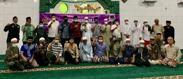Program Distribusi Al Qur'an dan Sanitizer DMI Bali Sasar Masjid Jami' Singaraja