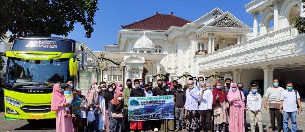 Rombongan Santri PP. Bumi Sholawat Sidoarjo Asal Bali Tiba di Denpasar