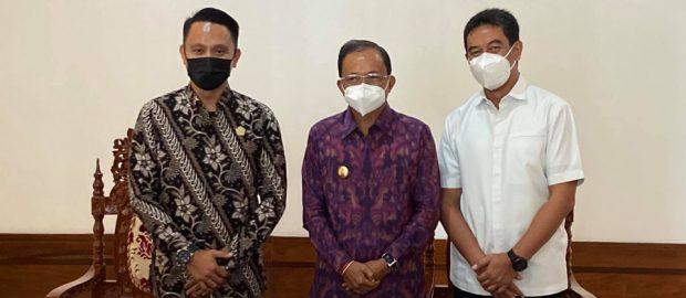 Dibantu Gubernur, Anggota DPRD Buleleng dan NU Care LAZISNU Denpasar Berikan Rapid Antigen Gratis Bagi 5000-7000 Santri se-Bali