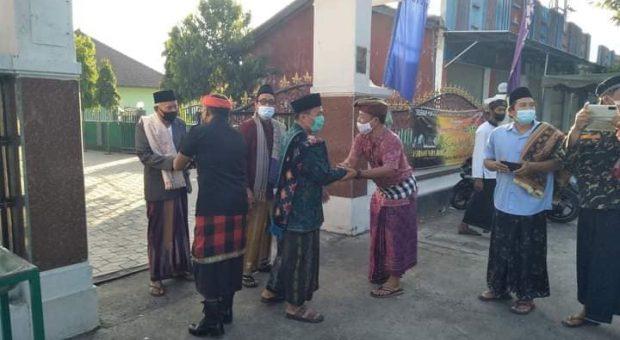 Toleransi Idul Fitri di Bali: Pecalang Jaga Shalat Id