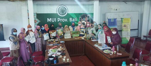 LPLH-SDA MUI Bali Beri Pelatihan Daur Ulang Sampah Plastik untuk Lingkungan Lebih Sehat
