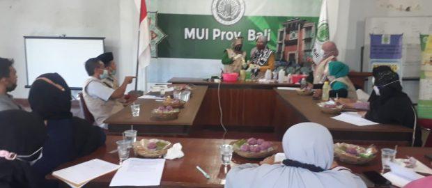 Hari Lingkungan Hidup se-Dunia, LPLH-SDA MUI Bali Mengadakan Pelatihan Pembuatan Sabun Cuci dari Minyak Jelantah