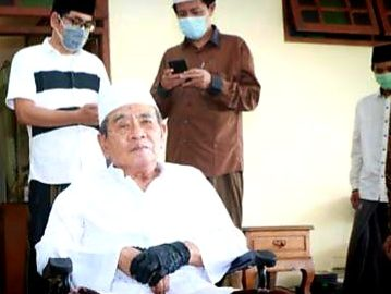 PP. Al Falah Ploso Kediri Berduka, KH. Zainudin Djazuli Berpulang